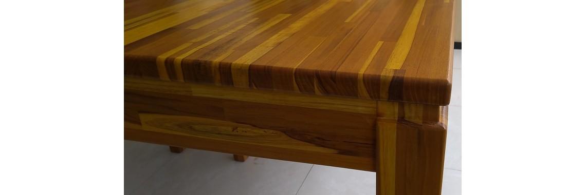 Mesa em teca